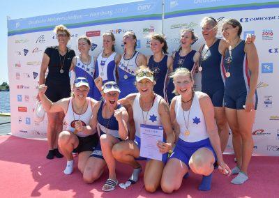 Siegerehrung der Frauen Masters Doppelvierer