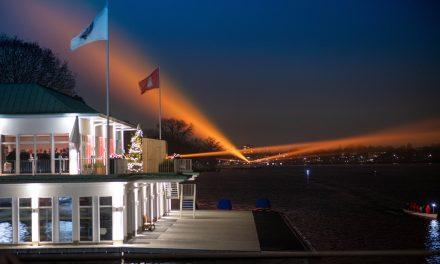 Die Alster erstrahlt in Orange – Hamburg setzt ein Zeichen