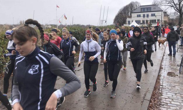 Hamburgs Schülerruderer rufen alle Sportler zum 40. Alsterlauf auf